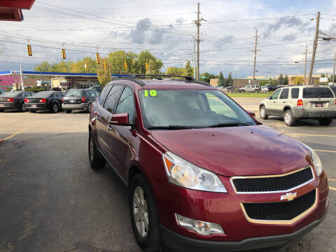 2010 Chevrolet Traverse for sale at Drive Max Auto Sales in Warren MI