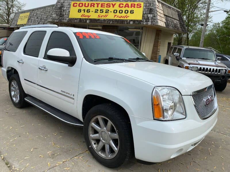2009 GMC Yukon for sale at Courtesy Cars in Independence MO