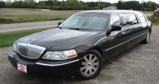 2004 Lincoln Town Car for sale at BSTMotorsales.com in Bellefontaine OH
