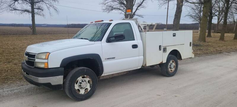 2006 Chevrolet Silverado 2500HD for sale at Allied Fleet Sales in Saint Charles MO