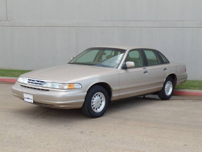1997 Ford Crown Victoria for sale at CROWN AUTOPLEX in Arlington TX