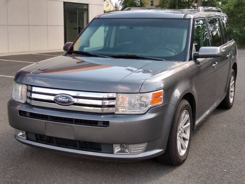 2010 Ford Flex for sale at MAGIC AUTO SALES in Little Ferry NJ