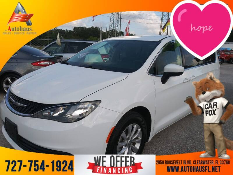 2017 Chrysler Pacifica for sale at Das Autohaus Quality Used Cars in Clearwater FL