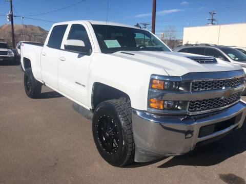 2019 Chevrolet Silverado 2500HD for sale at BERKENKOTTER MOTORS in Brighton CO