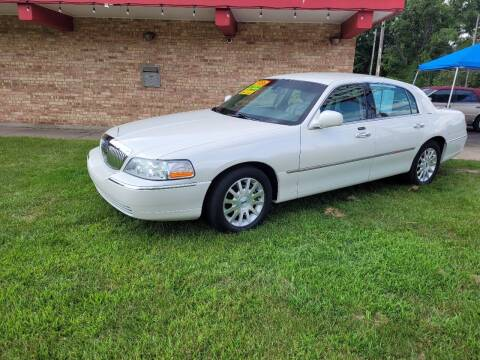 2006 Lincoln Town Car for sale at Murdock Used Cars in Niles MI