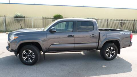 2016 Toyota Tacoma for sale at Quality Motors Truck Center in Miami FL