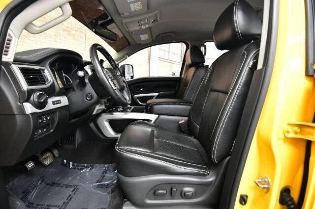2017 Nissan Titan 4x4 PRO-4X 4dr Crew Cab - Bensenville IL