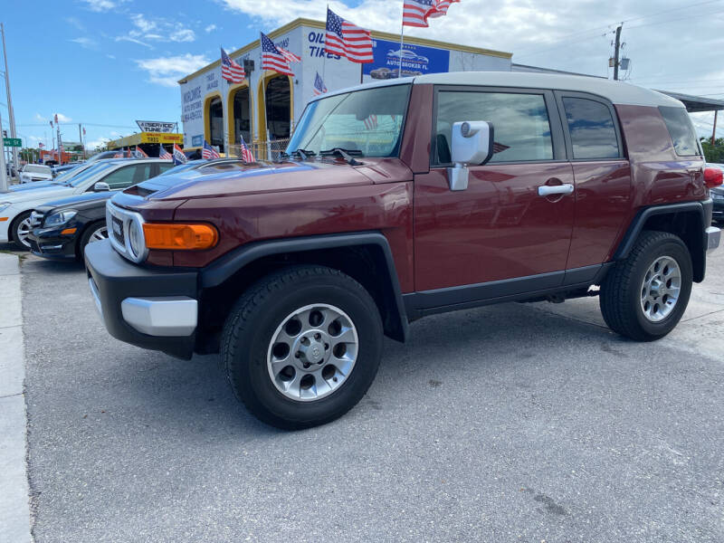 2011 Toyota FJ Cruiser for sale at INTERNATIONAL AUTO BROKERS INC in Hollywood FL
