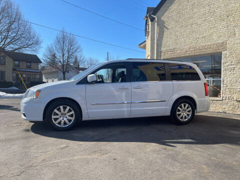 2015 Chrysler Town and Country for sale at Strong Automotive in Watertown WI