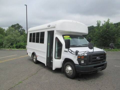 2017 Ford E-Series Chassis for sale at Tri Town Truck Sales LLC in Watertown CT