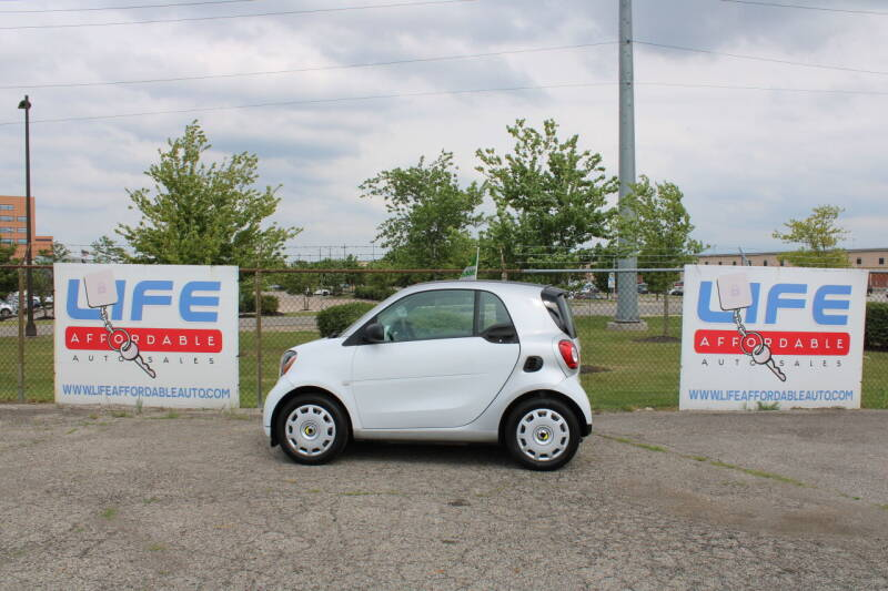 2016 Smart fortwo for sale at LIFE AFFORDABLE AUTO SALES in Columbus OH