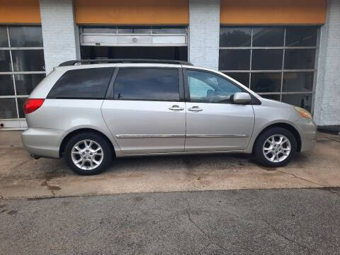 2006 Toyota Sienna for sale at PIRATE AUTO SALES in Greenville NC