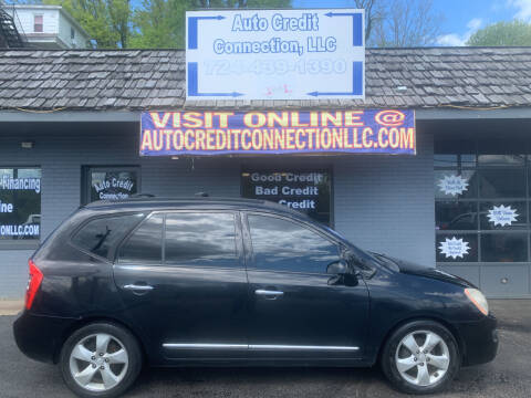 2008 Kia Rondo for sale at Auto Credit Connection LLC in Uniontown PA