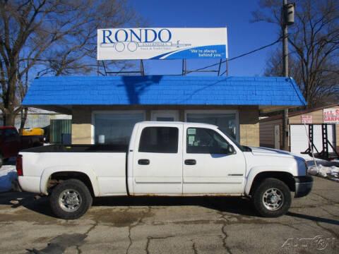 2005 Chevrolet Silverado 1500HD for sale at Rondo Truck & Trailer in Sycamore IL
