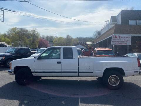 2000 Chevrolet C/K 2500 Series for sale at TNT Auto Sales in Bangor PA