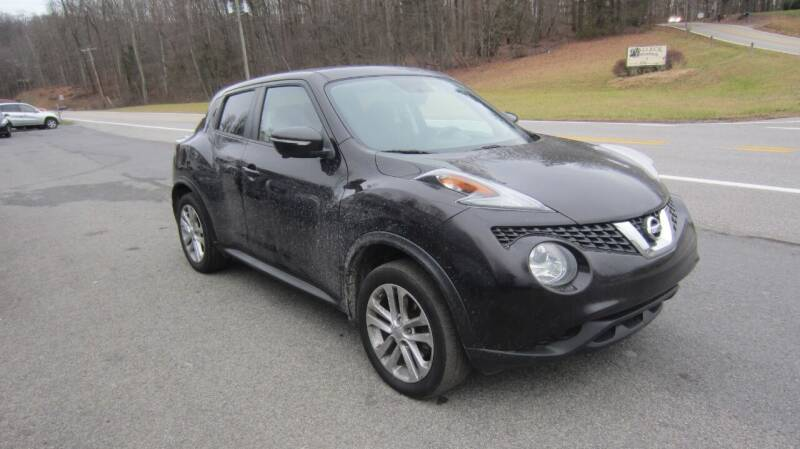 2015 Nissan JUKE for sale at Auto Outlet of Morgantown in Morgantown WV