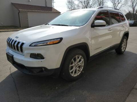 2014 Jeep Cherokee for sale at MIDWEST CAR SEARCH in Fridley MN
