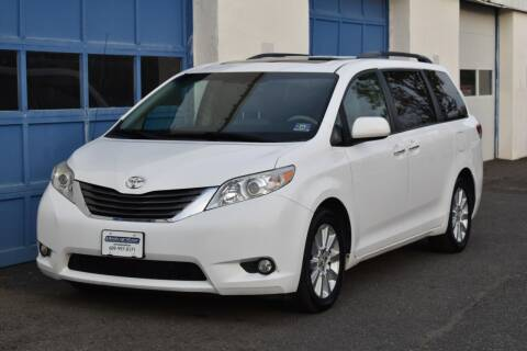 2013 Toyota Sienna for sale at IdealCarsUSA.com in East Windsor NJ