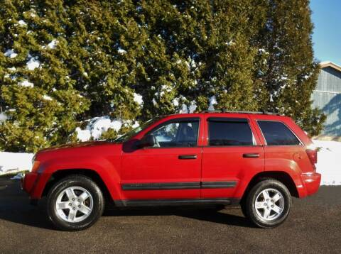 2005 Jeep Grand Cherokee for sale at CARS II in Brookfield OH
