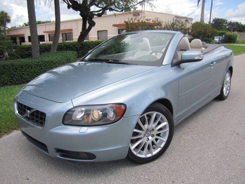 2009 Volvo C70 for sale at FLORIDACARSTOGO in West Palm Beach FL