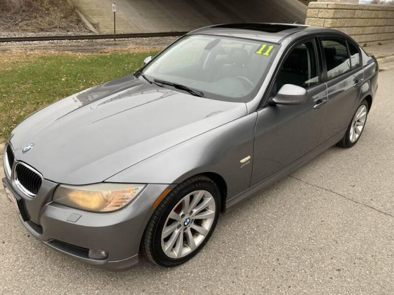 2011 BMW 3 Series for sale at Apple Auto in La Crescent MN