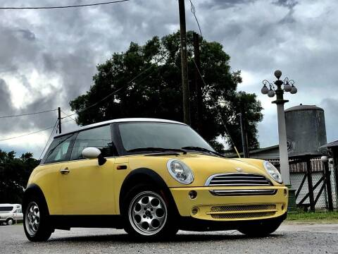 2005 MINI Cooper for sale at OVE Car Trader Corp in Tampa FL