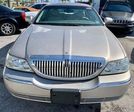2003 Lincoln Town Car for sale at Naber Auto Trading in Hollywood FL