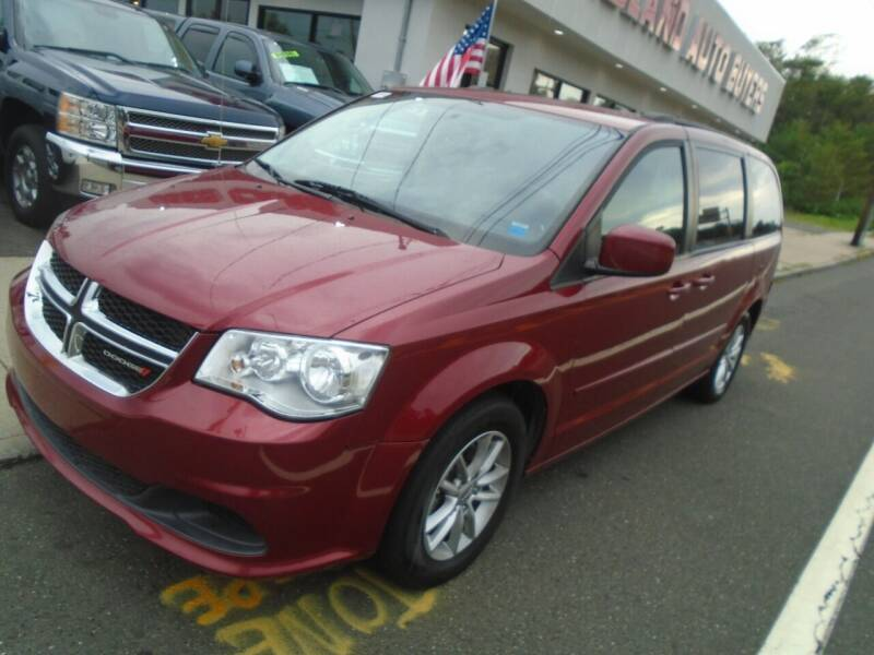 2015 Dodge Grand Caravan for sale at Island Auto Buyers in West Babylon NY