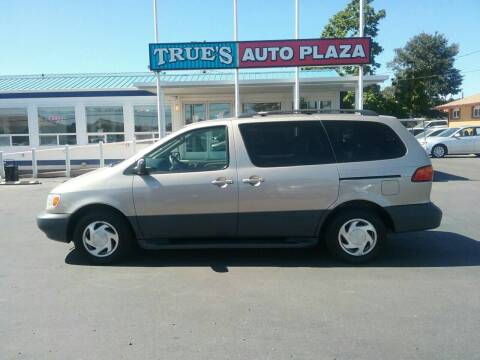 2000 Toyota Sienna for sale at True's Auto Plaza in Union Gap WA