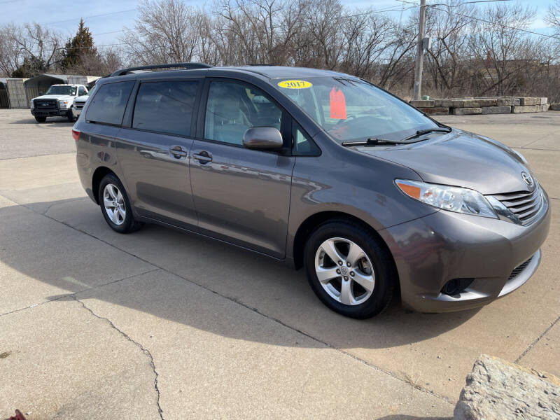 2017 Toyota Sienna for sale at Foust Fleet Leasing in Topeka KS