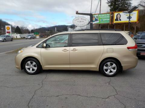 2012 Toyota Sienna for sale at EAST MAIN AUTO SALES in Sylva NC