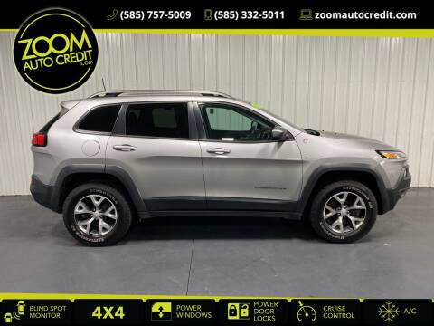 2018 Jeep Cherokee for sale at ZoomAutoCredit.com in Elba NY