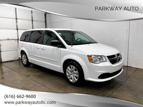 2016 Dodge Grand Caravan for sale at PARKWAY AUTO in Hudsonville MI