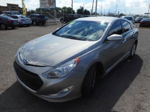 2012 Hyundai Sonata Hybrid for sale at AUGE'S SALES AND SERVICE in Belen NM