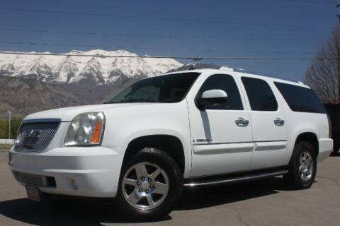 2007 GMC Yukon XL for sale at REVOLUTIONARY AUTO in Lindon UT