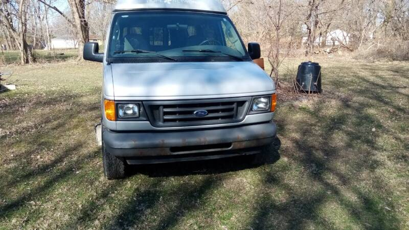 2006 Ford E-Series Wagon for sale at Heartbeat Used Cars & Trucks in Harrison Twp MI