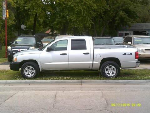 2006 Dodge Dakota for sale at D & D Auto Sales in Topeka KS