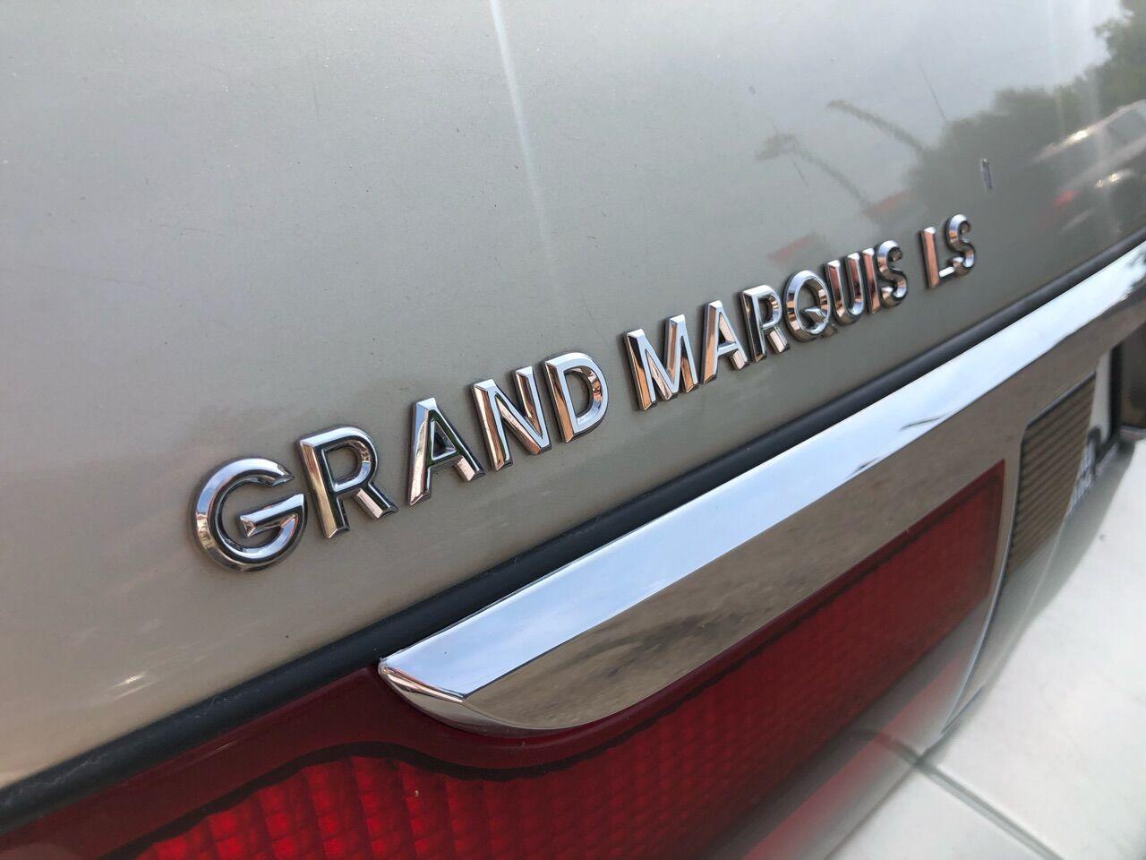 2004 Mercury Grand Marquis 4dr Car
