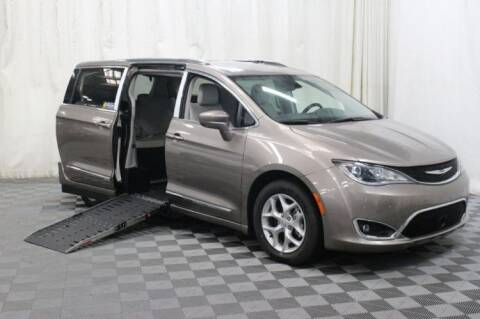 2017 Chrysler Pacifica for sale at AMS Vans in Tucker GA