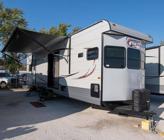 2021 HL Enterprise Georgian Bay 35 FK for sale at GQC AUTO SALES in San Bernardino CA