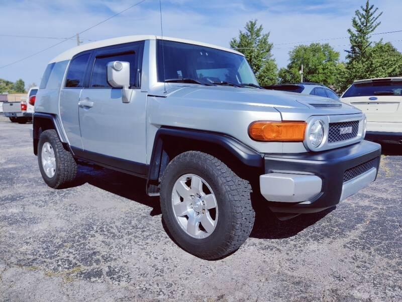 2007 Toyota FJ Cruiser for sale at The Car Cove, LLC in Muncie IN