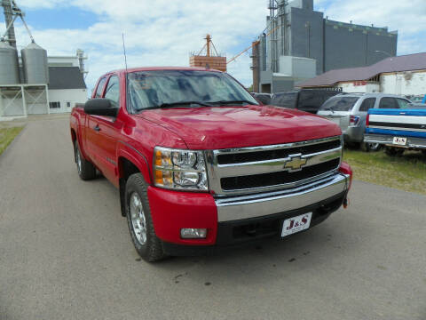 2007 Chevrolet Silverado 1500 for sale at J & S Auto Sales in Thompson ND