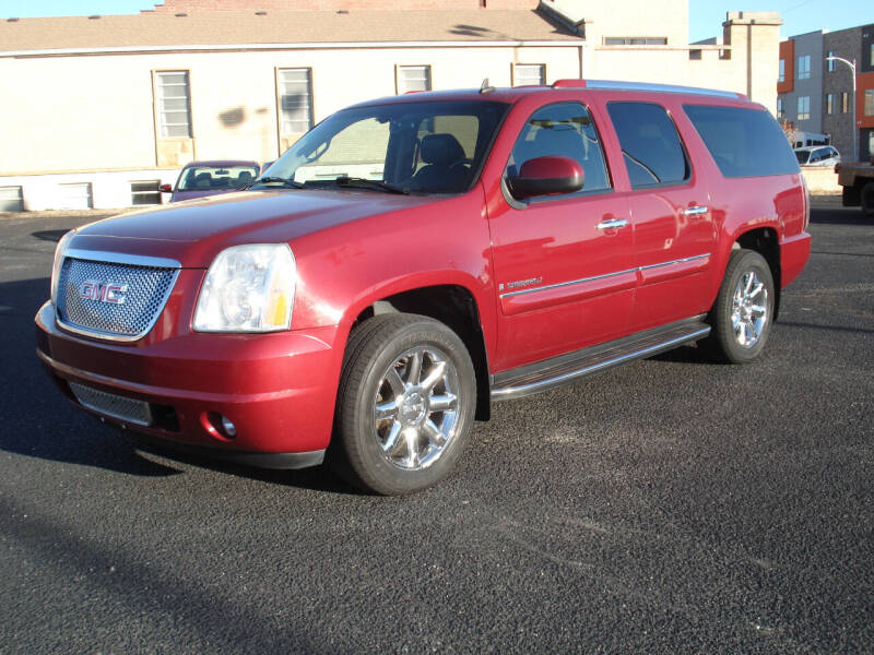 2007 GMC Yukon XL for sale at Shelton Motor Company in Hutchinson KS