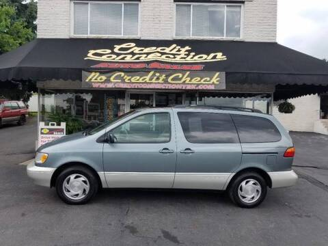 2000 Toyota Sienna for sale at Credit Connection Auto Sales Inc. YORK in York PA