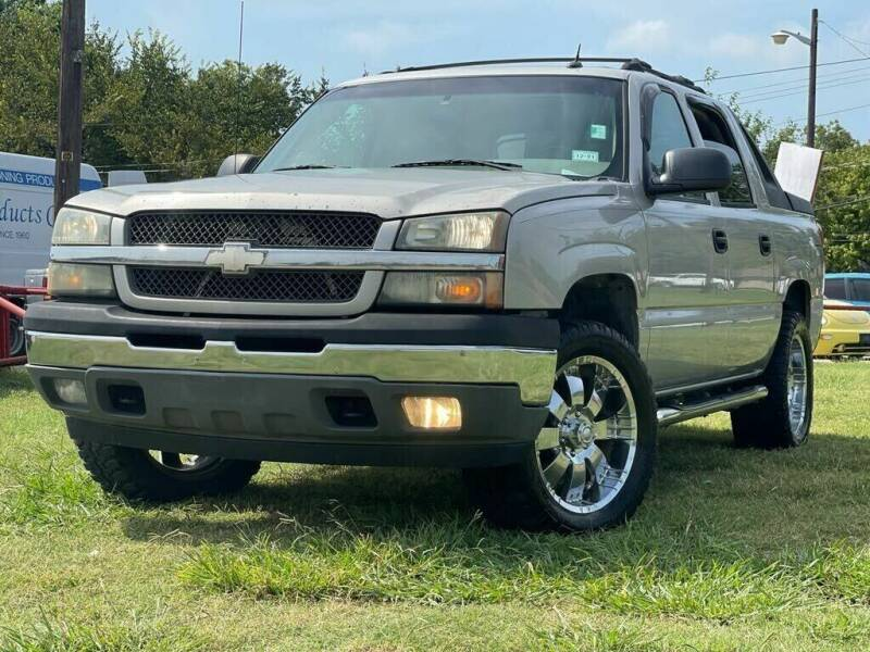 2005 Chevrolet Avalanche for sale at Texas Select Autos LLC in Mckinney TX