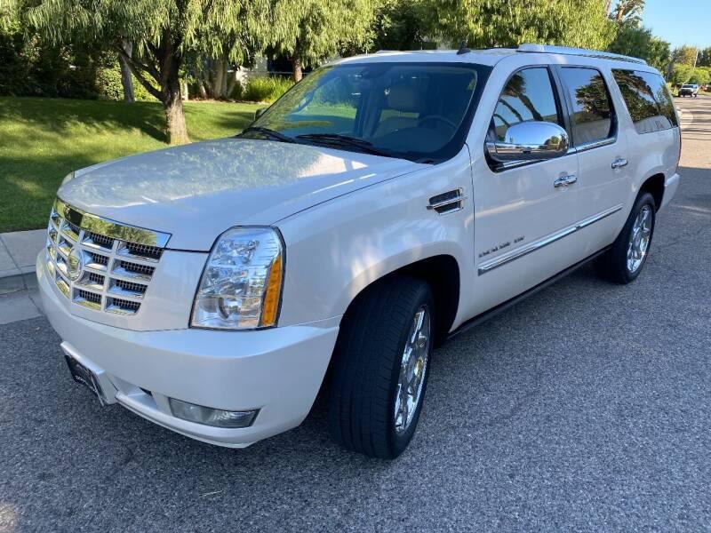 2010 Cadillac Escalade ESV for sale at Donada  Group Inc in Arleta CA