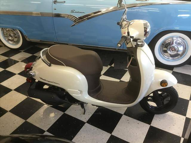 2013 Honda METROPOLITAN for sale at SHAKER VALLEY AUTO SALES in Enfield NH