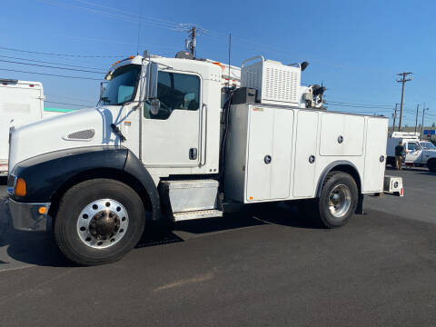 2006 Kenworth Mechanics Truck for sale at Dorn Brothers Truck and Auto Sales in Salem OR