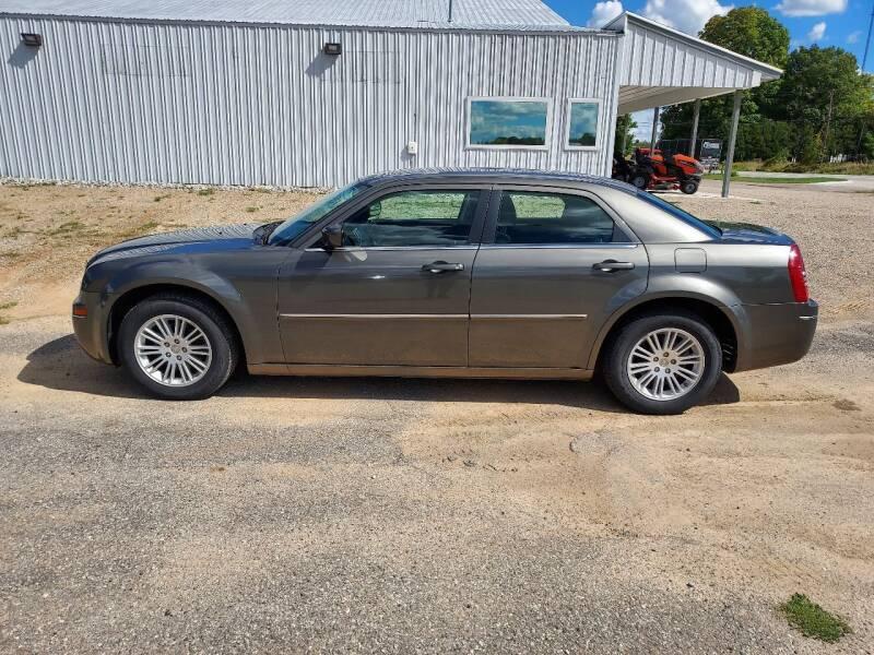 2009 Chrysler 300 for sale at Steve Winnie Auto Sales in Edmore MI