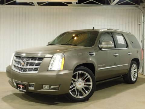 2013 Cadillac Escalade for sale at Bulldog Motor Company in Borger TX